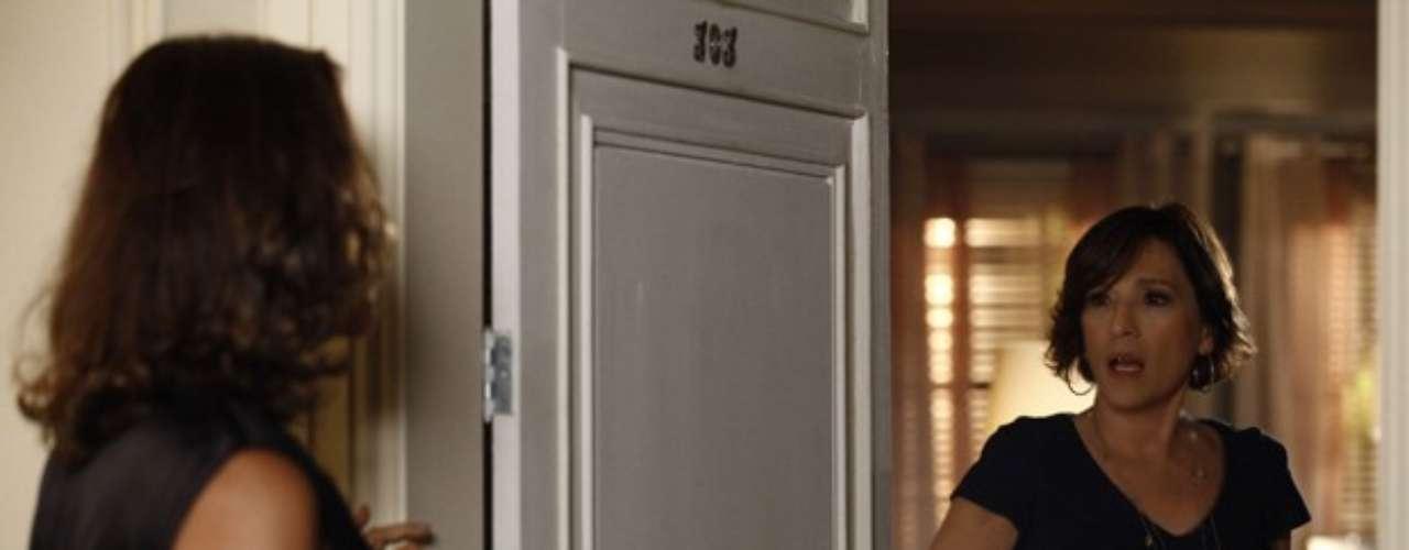 Chica recebe uma visita surpresa de Branca, que promete acabar com a vida da rival