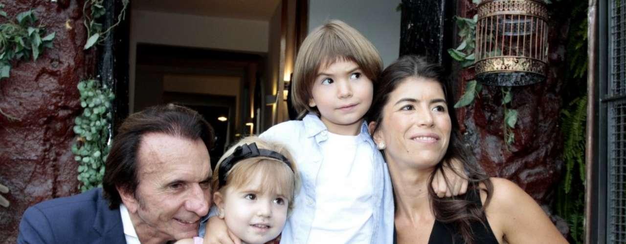 Emerson Fittipaldi e a mulher, a empresária Rossana Fanucchi, receberam vários \