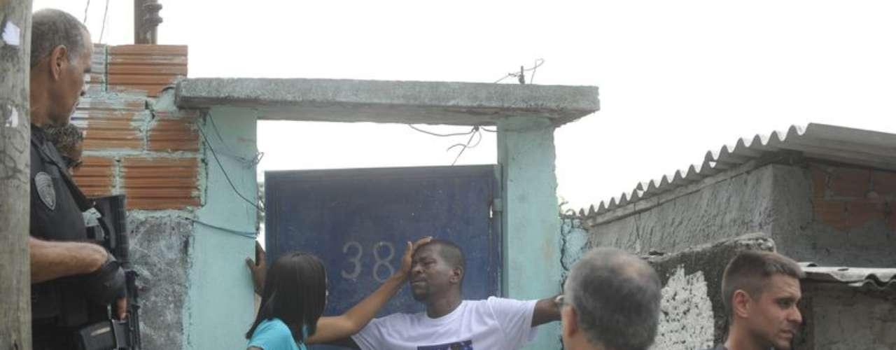 Polícia faz reconstituição da morte da dona de casa Claudia Silva Ferreira