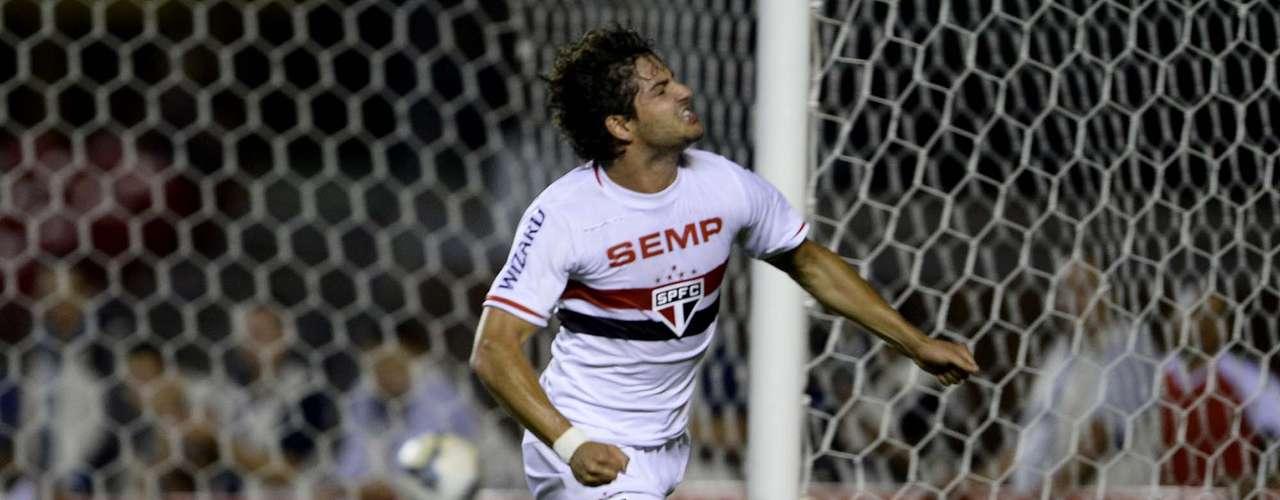 Alexandre Pato festeja primeiro gol com a camisa do São Paulo