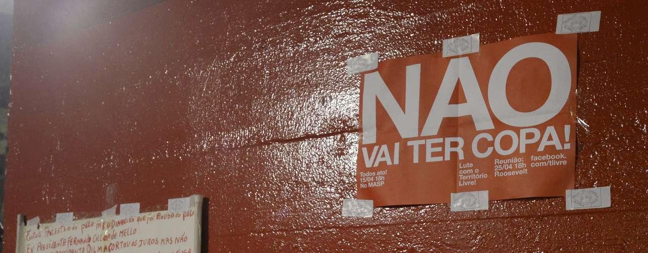 15 de abril - O palco da concentração da manifestação foi o Museu de Arte de São Paulo (Masp), localizado na avenida Paulista