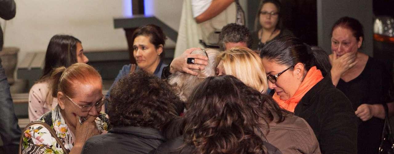 Velório de Bernardo foi marcado por muita emoção em Santa Maria (RS)