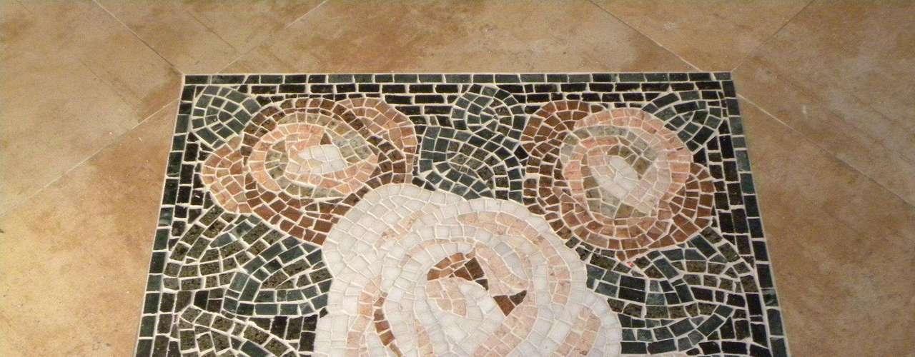 Os mosaicos podem servir de decoração para pisos