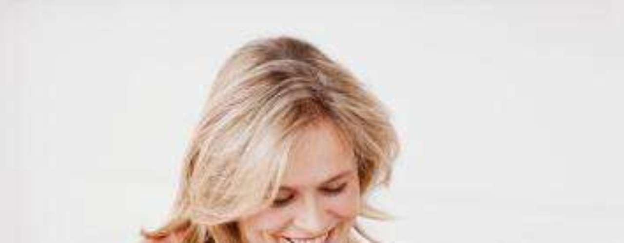 Olhe uma foto dele: segundo um estudo da Universidade de Rutgers, exames de ressonância magnética mostraram que quando uma pessoa olha para foto de outra por 30 segundos, há uma atividade do cérebro que aumenta o desejo sexual. Por isso, olhe uma foto dele no caminho do trabalho. Os sentimentos gerados nos 30 segundos irão se prolongar até você chegar em casa