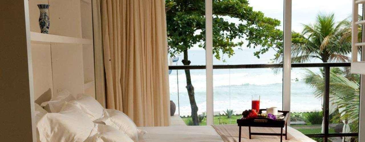 Hotel Pousada Nau Royal, Cambury, São Paulo: com acomodações de luxo e saída direta para a praia, o hotel oferece um pacote para o feriado que vai de 7 a 10 de junho. O preço para os três dias é de R$ 2.880 e, em caso de chuva, os hóspedes podem ser reembolsados. Informações: (12) 3865 4486 ou (12) 3865 4210