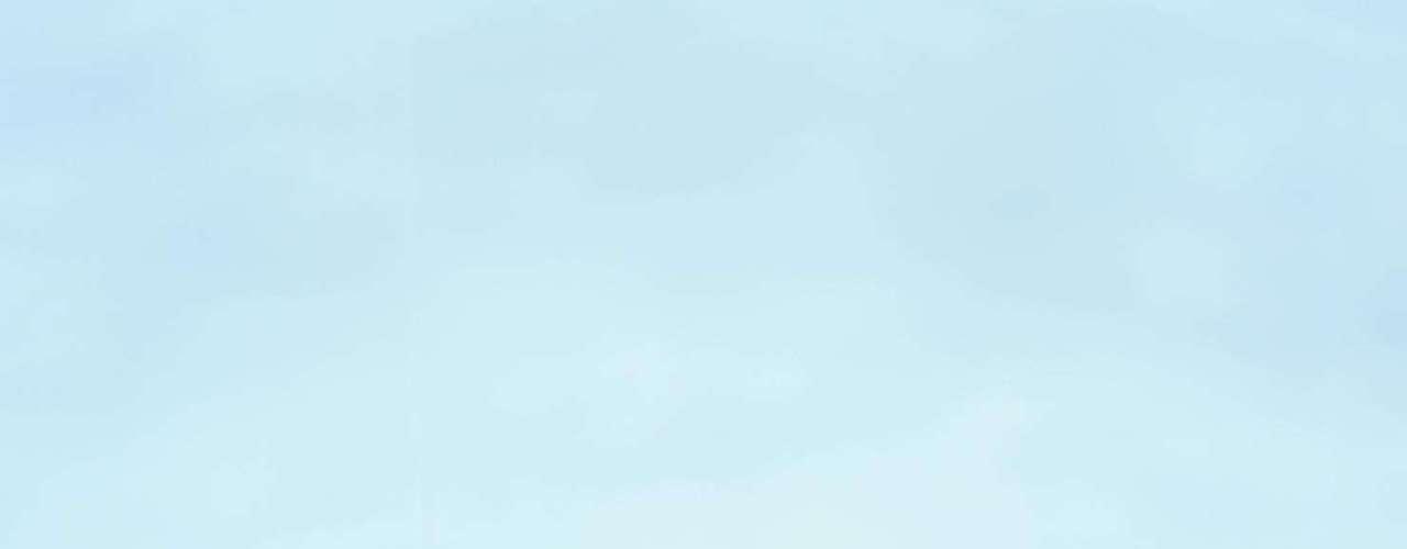 5. Mirtilo - Mais famoso por seus efeitos antienvelhecimento, uma xícara de mirtilo (blueberry) possui apenas 80 calorias. A fruta também ajuda a manter o organismo saciado por mais tempo com a ingestão de 4 g de fibras