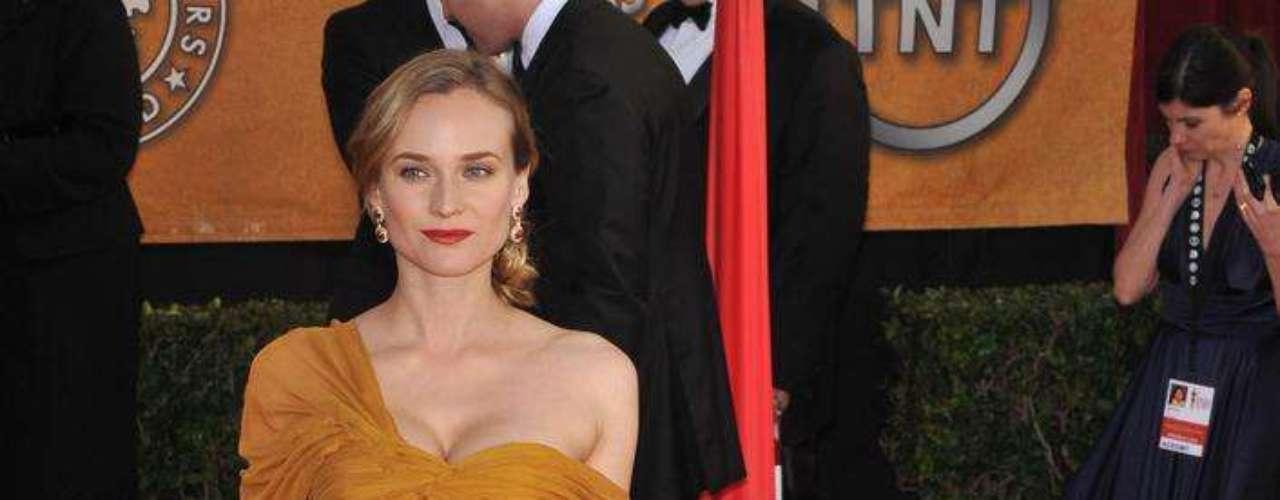 A atriz e ex-modelo Diane Kruger não confirmou, mas os tabloides garantem que ela recorreu ao silicone para dar um up no corpo