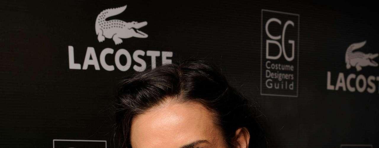 Demi Moore não se manifesta sobre o assunto, mas a imprensa hollywoodiana garante que a atriz recorreu ao implante de silicone nos seios