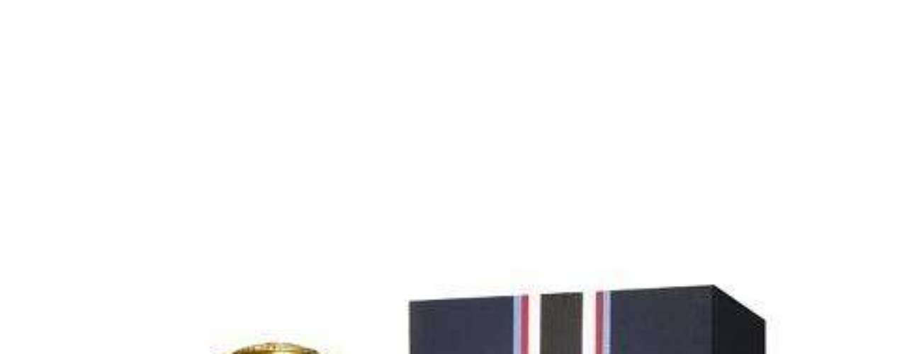 6. A fragrância Eau the Prep for him de Tommy Hilfiger busca ser tradicional, mas ao mesmo tempo fresca. Combina gerânio egípcio, grama molhada, um pouco de tônica, pimenta branca, lavanda absoluta e bagas de zimbro. Preço: R$ 279 (100 ml). Tel.: 0800-7043440