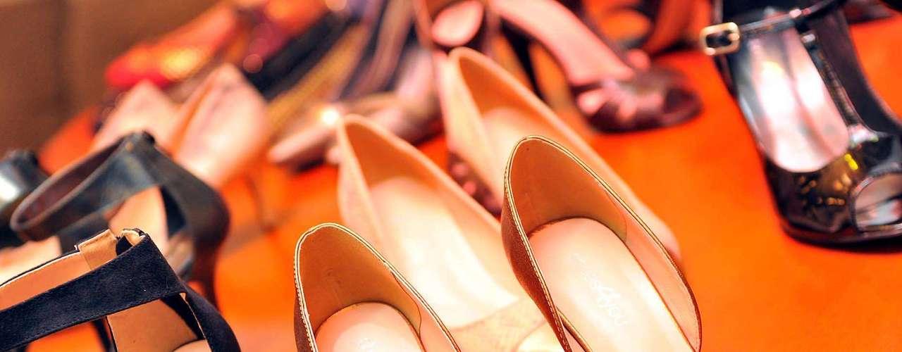 Flávia Alessandra assinará uma coleção mensal de sapados da Shoes4you. \