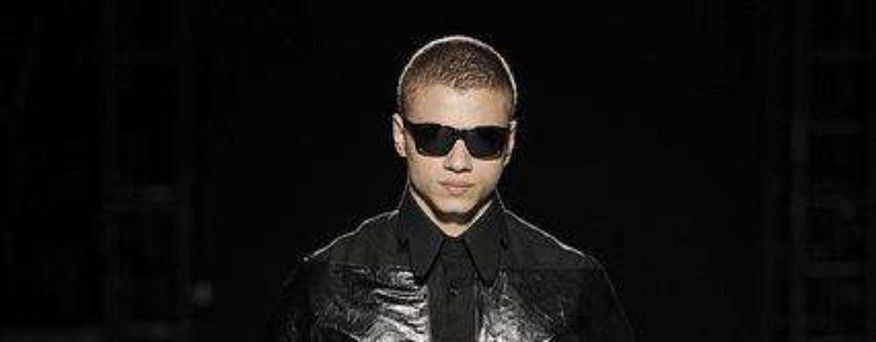 A moda masculina da Der Metropol sugere um homem sofisticado