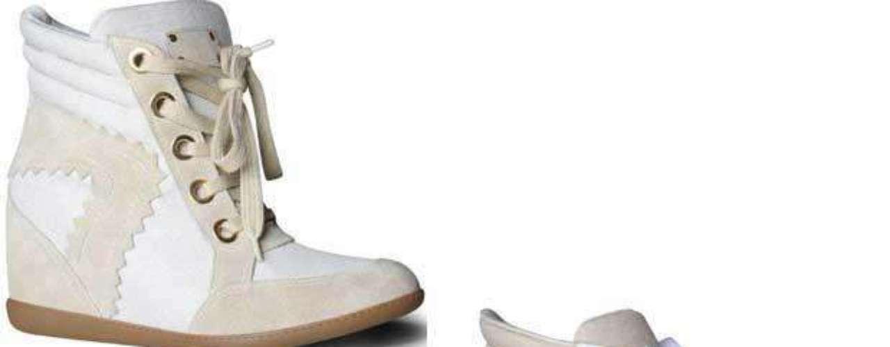 Os modelos creme e branco, com cadarço, são da Hetane. Preço sugerido: R$ 299. Informações: (51) 3549-9000