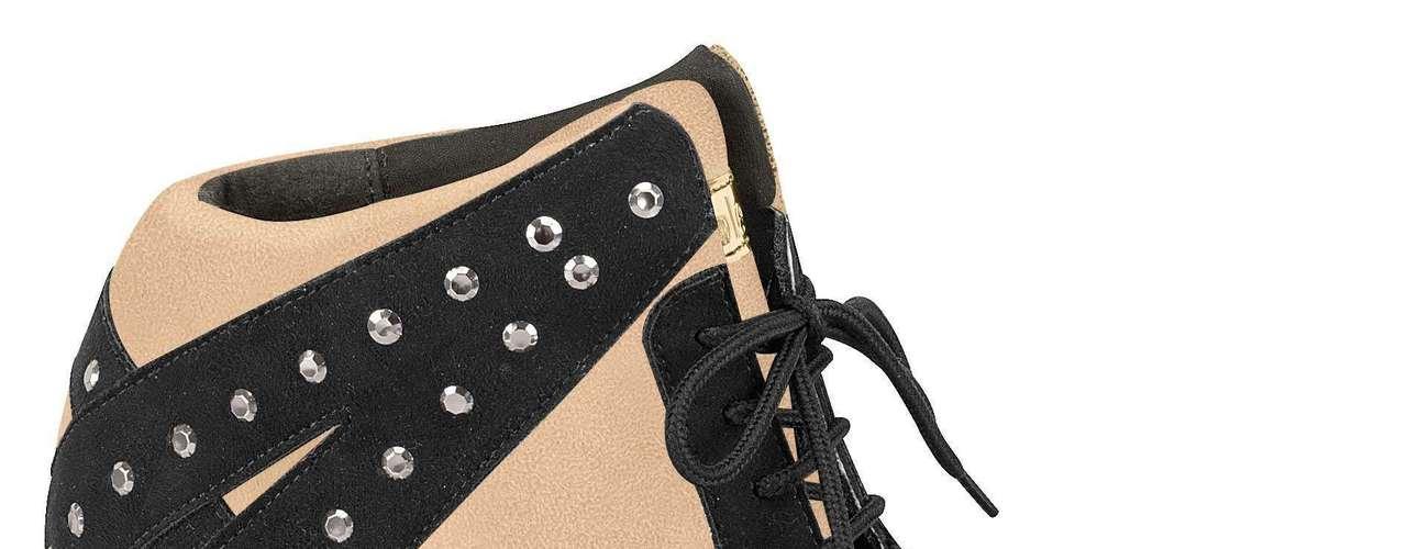 A marca Moleca apresenta também modelo bege e preto, com aplicações. Preço sugerido: R$ 139,90. (51) 3584-2200