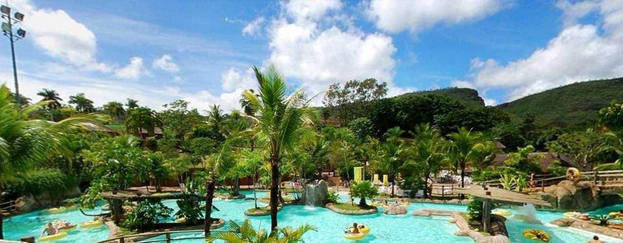 Hot Park, Goiás, Brasil: localizado no centro-oeste do país, o parque aquático possui diversas piscinas e atrações com águas quentes. O parque apresenta a mega atração Praia do Cerrado e está ao lado do Rio Quente Resorts, que oferece oito opções de hospedagem e o Parque das Fontes