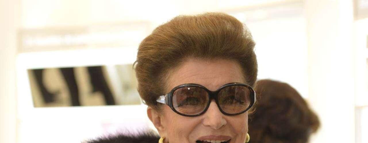 Empresária e consultora de moda Costanza Pascolato foi uma das convidadas da Clinique