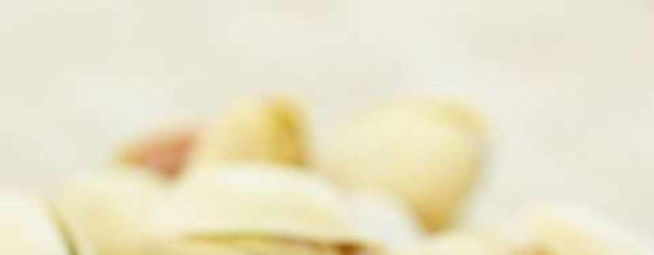 Pistache: importantes fornecedores de vitamina B6, tiamina, fósforo, potássio, proteínas e fibras. Excelente opção para petiscar