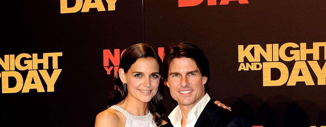 Recém-separada de Tom Cruise, Katie prefere usar maquiagens com tons leves