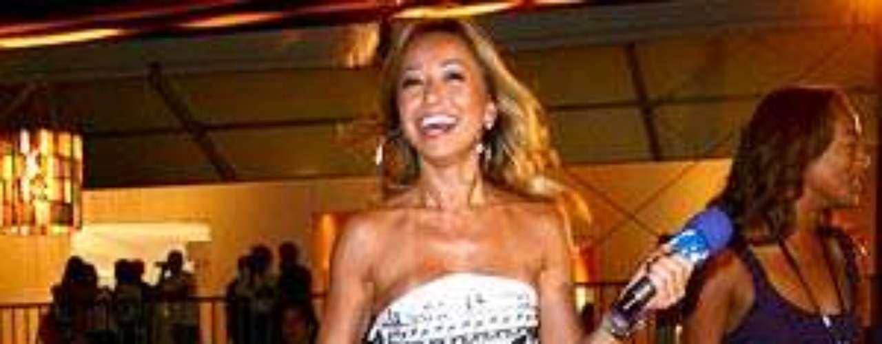 Como repórter do programa Pânico na TV!, Sabrina sempre abusou dos modelitos curtos e ousados, como na foto, de 2008. \