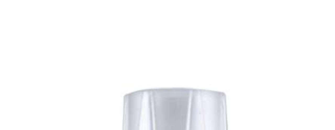 Daniella Brilha também seleciona o esmalte Possessão Rosa como um dos produtos com nome mais curioso da Risqué
