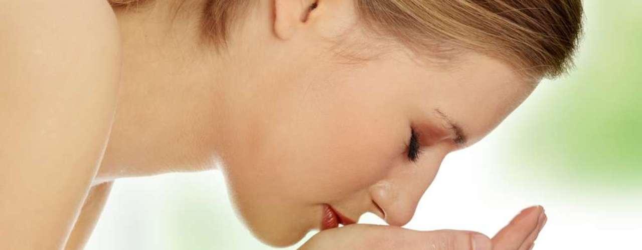 Ao usar o creme depilatório, espere apenas três minutos para retirá-lo com água fria