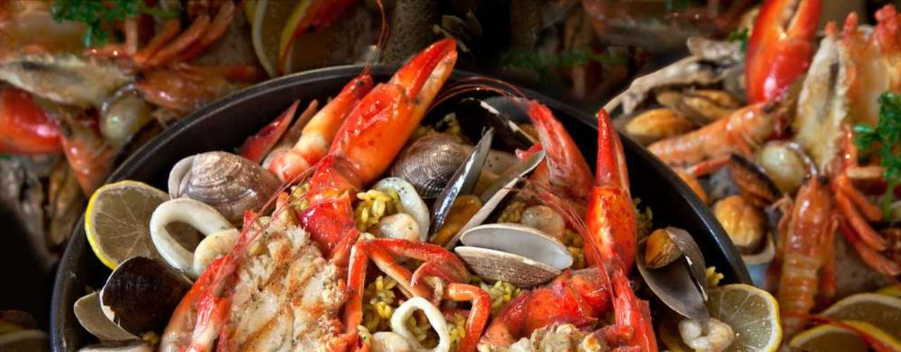 Selênio presente em frutos do mar, na castanha-do-pará e em cogumelos tem função antioxidante e combate os radicais livres sendo importante contra o envelhecimento da pele