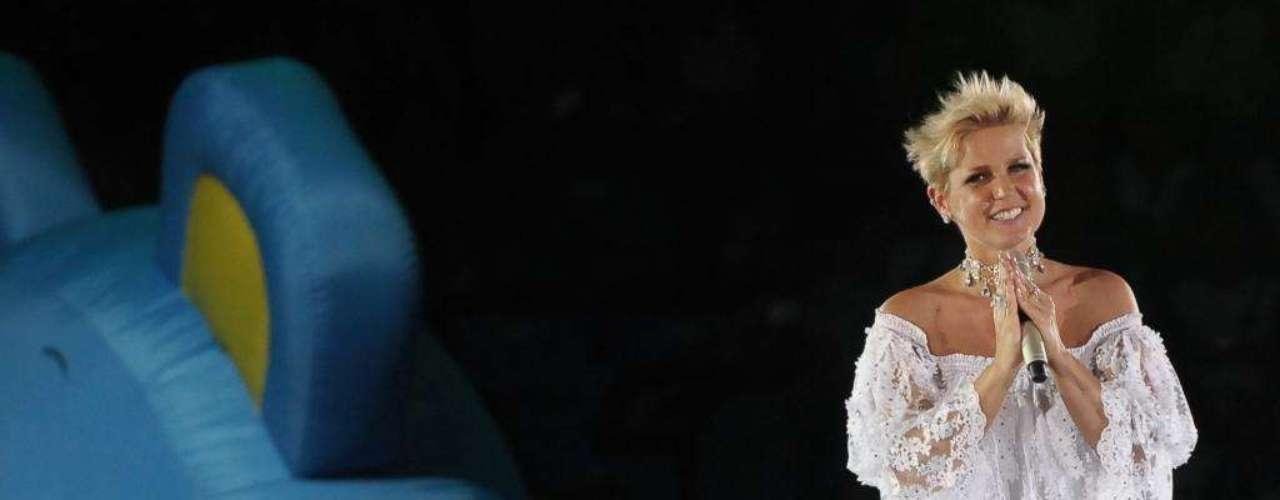 """Para Bia, este é um dos looks em que Xuxa exagerou. """"Ela não tem medo de ousar, não tem medo de ficar com cara de caricatura"""""""