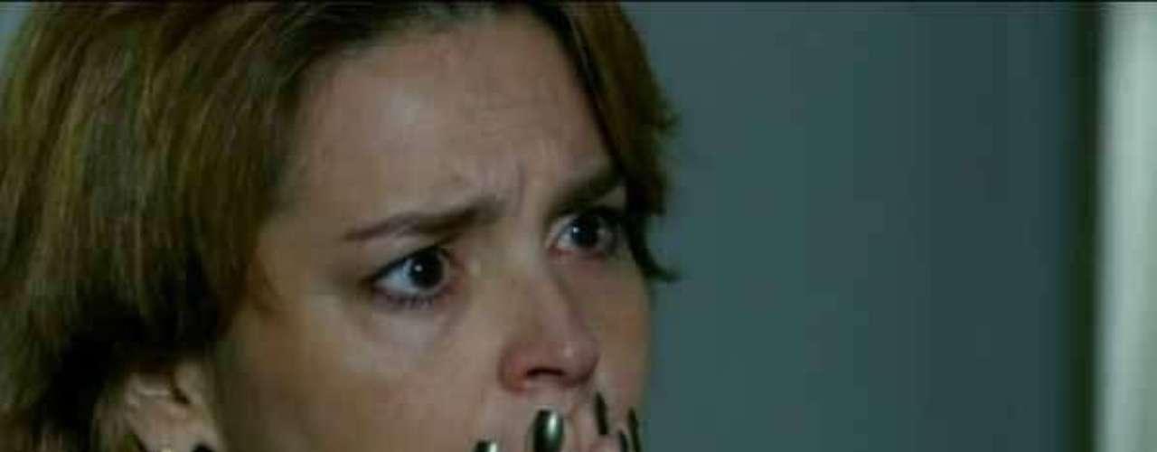 A personagem Jáqui (Suzy Rêgo), de Amor Eterno Amor, usa esmalte verde que está entre os mais pedidos