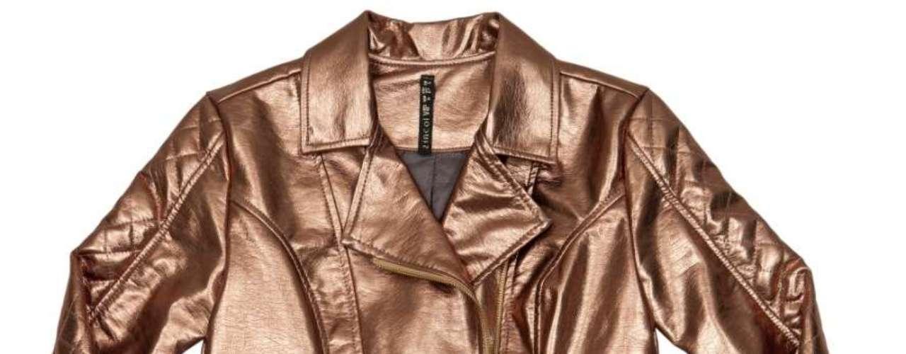 Jaqueta de couro metalizada Zinco, R$396,00. Serviço: www.zinco.com.br
