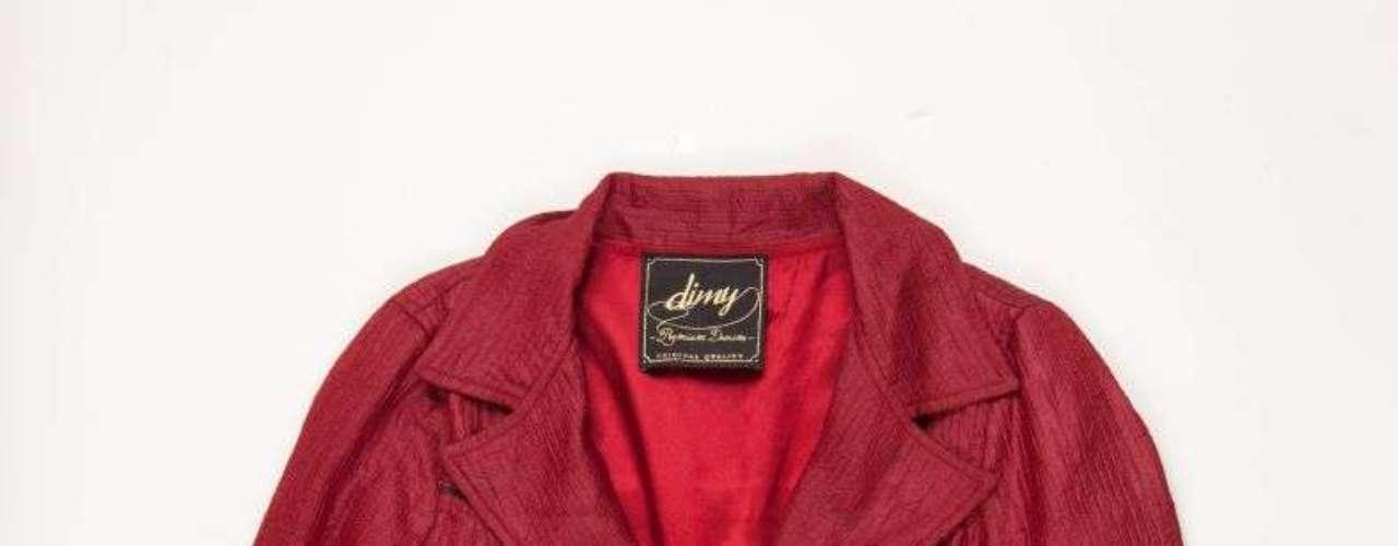 Jaqueta de couro vermelha Dimy, R$340,00. Serviço: 48 32670389. www.dimirmay.com.br