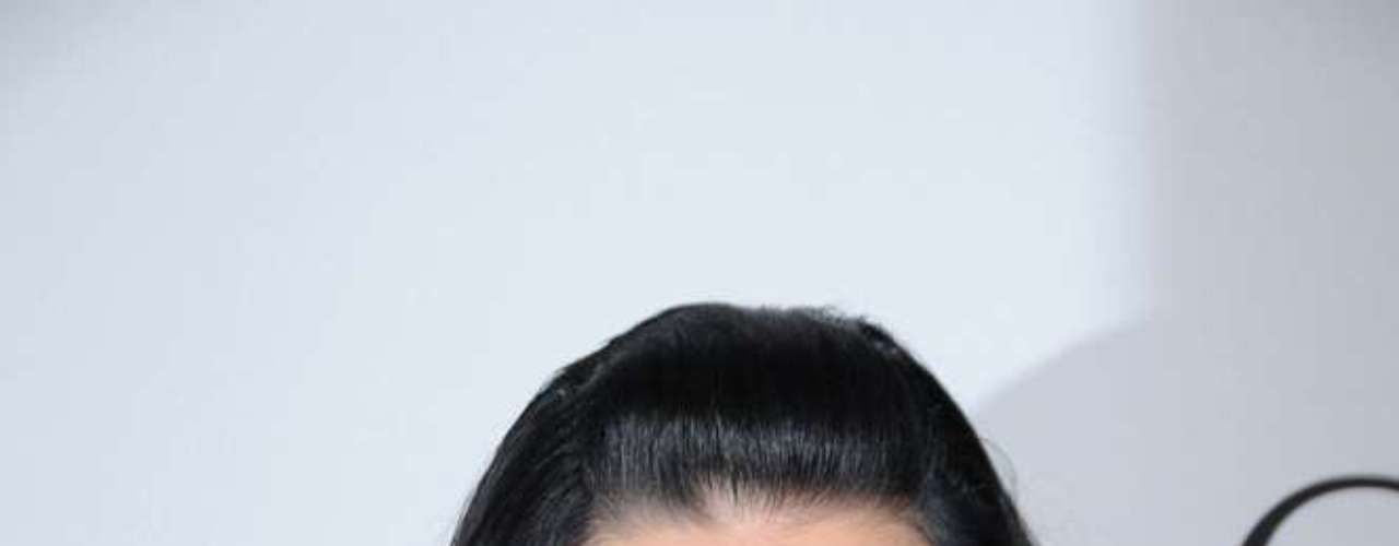 Jovem cantora de sucesso, Katy Perry não esconde de ninguém que adora hidratante para manter a pele do rosto bem macia. Por isso, a jovem de 27 anos não sai de casa sem passar um popular hidratante