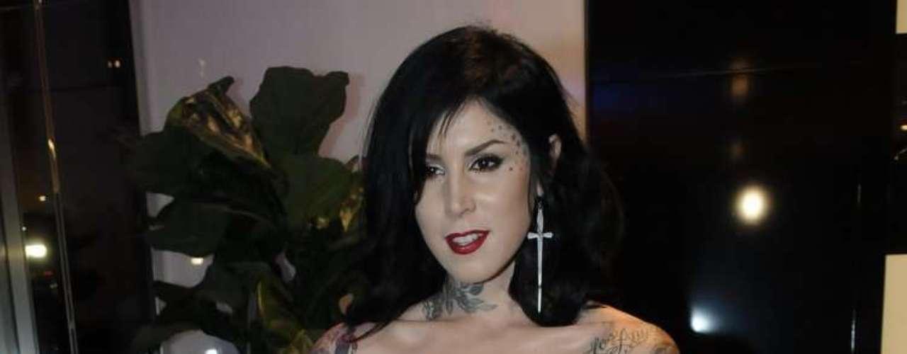 A tatuadora Kat Von D, famosa pelo extinto programa Miami Ink, que lançou uma linha de maquiagens para a Sephora, foi a presença internacional do evento