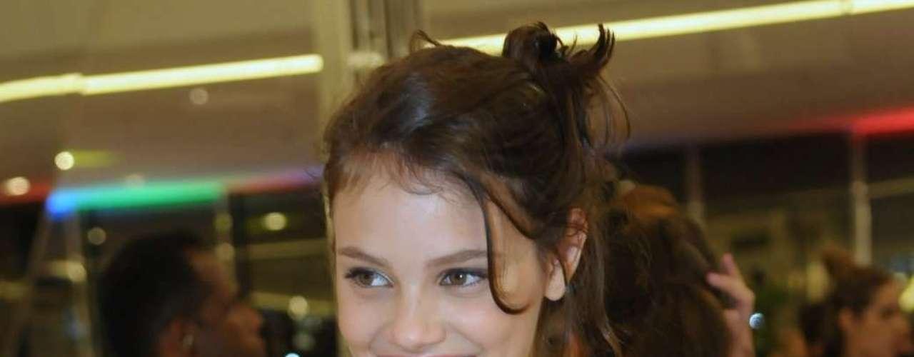 A atriz e modelo Laura Neiva na inaguração da Sephora no shopping JK, em São Paulo, na quinta-feira (12)