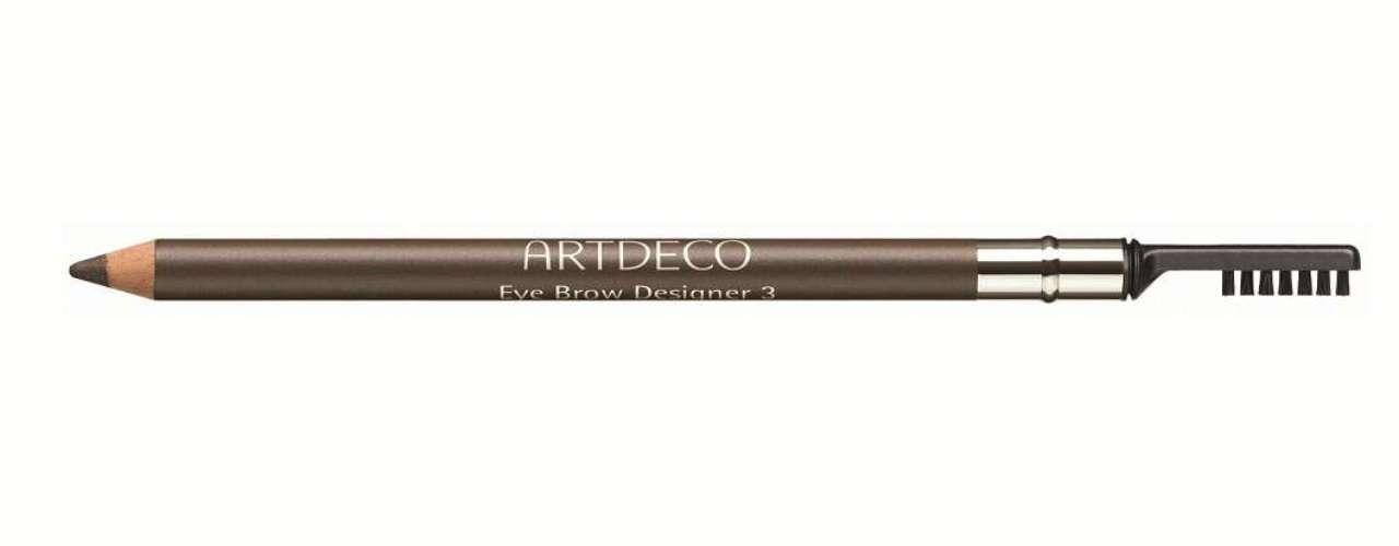 A Artdeco sugere o Eye Brow Designer. A dica da marca é escovar as sobrancelhas para baixo usando a escovinha, passar o lápis no contorno superior e preencher as pequenas falhas e, por último, escovar para cima. Preço: R$ 63. Informações: 0800-7733450