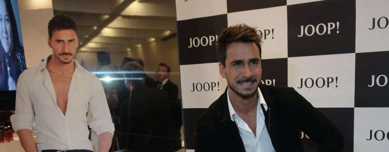 O ator Julio Rocha foi anunciado como embaixador do perfume Joop! Homme no Brasil