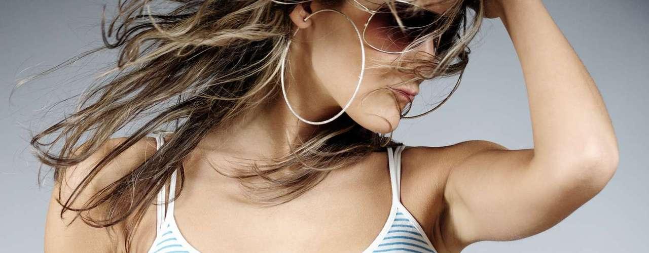 Vestuário - De maneira geral, a produção da mulher pode indicar suas intenções. Estudos mostram que a área corporal visível aumenta quando a mulher está interessada em sexo ou está no período fértil, disse o psicólogo Silva