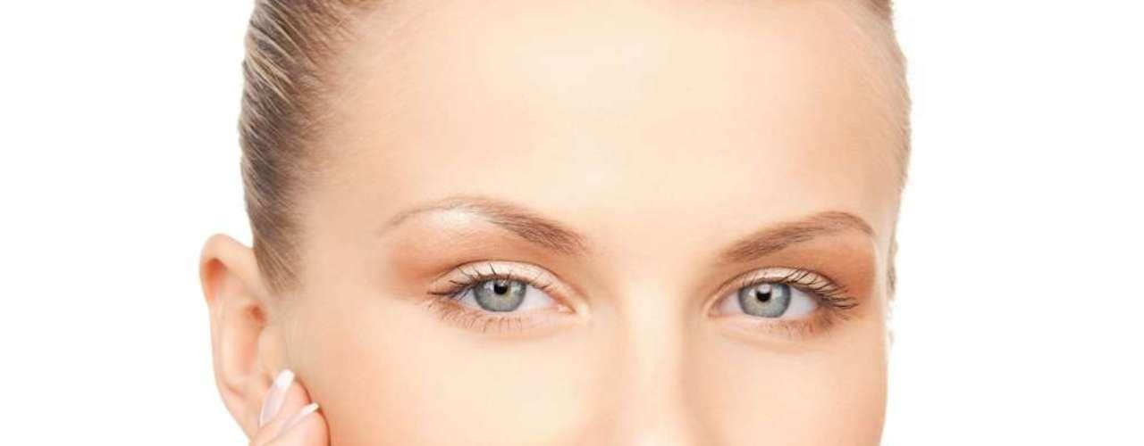 Como a reserva de gordura também ajuda a manter o tônus da pele, os produtos feitos à base da substância também são indicados para o rosto, mãos e lábios