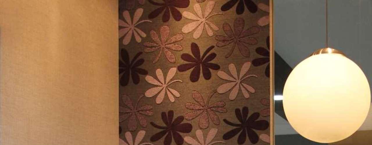 Nessa composição, feita com tecidos da marca Döhler, o destaque fica com a estampa floral . Informações: www.dohler.com.br