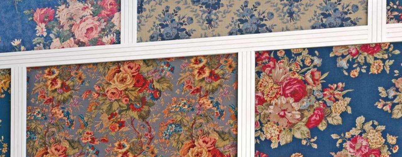 Aqui, o tecido combina com o restante da decoração, que mistura elementos rústicos a arranjos de flores