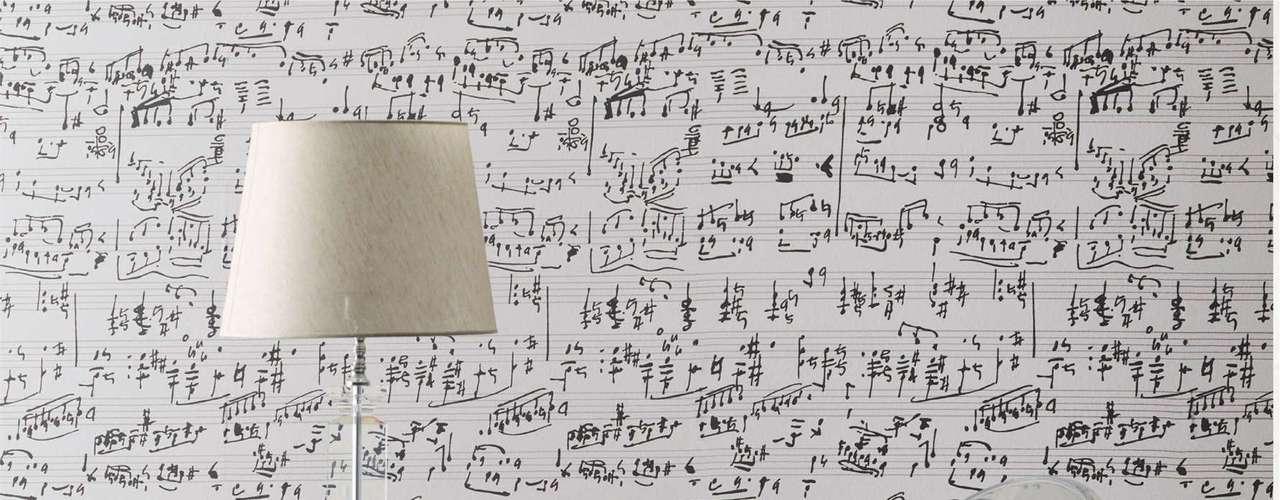 Uma partitura musical serve como estampa para esse tecido da Karsten