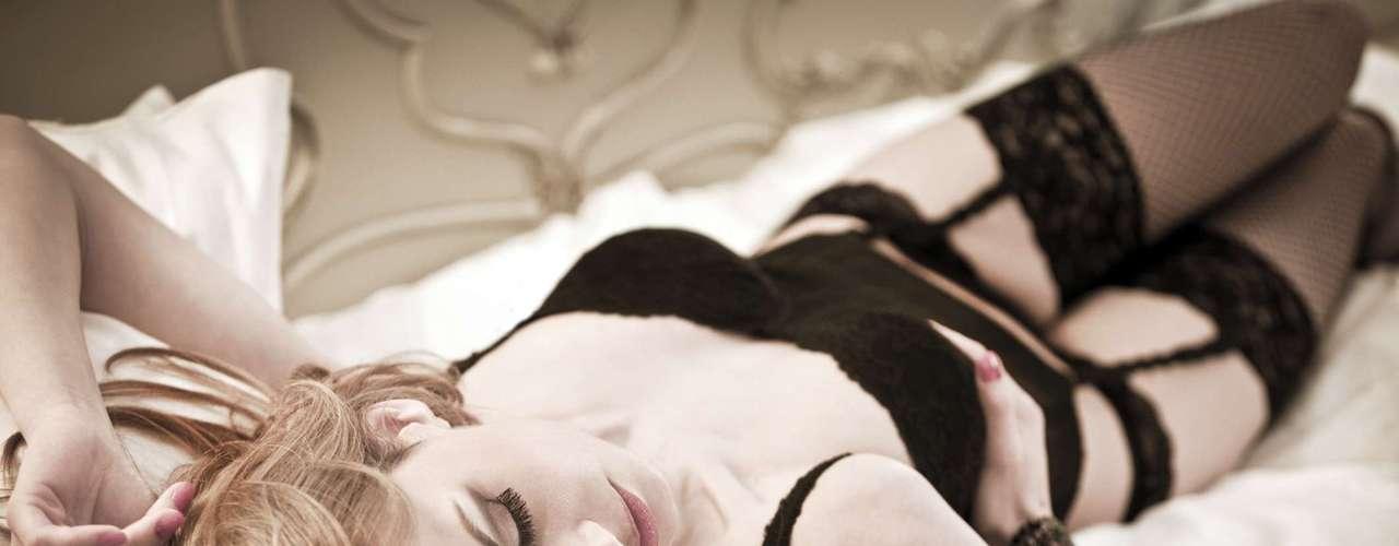 Musculação íntima pode intensificar o orgasmo - O pompoarismo, antiga técnica oriental derivada do tantra, pode facilitar o caminho para o orgasmo. Com esses exercícios íntimos é possível fortalecer a musculatura vaginal e obter mais controle sobre seus movimentos. Segundo a Fátima Moura, ele ajuda a aumentar a libido, melhora a lubrificação e faz com que você atinja o clímax com mais facilidade. Além disso, sabendo controlar melhor sua musculatura vaginal, a tendência é que os orgasmos fiquem ainda mais intensos