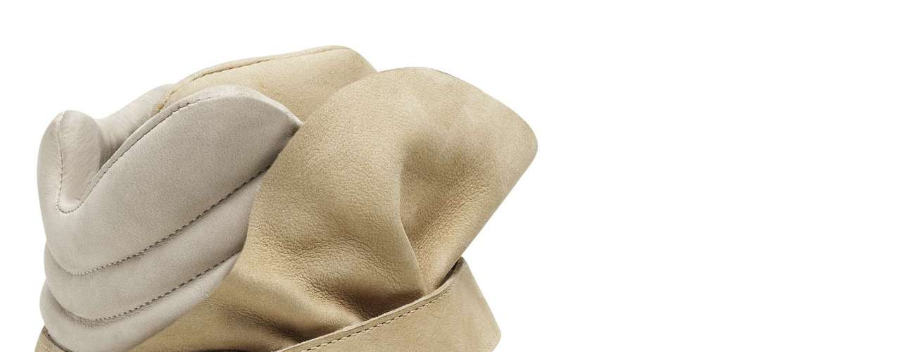Sneaker Santa Lolla bege. Sai por R$ 269,90. SAC: (11) 3045-8504