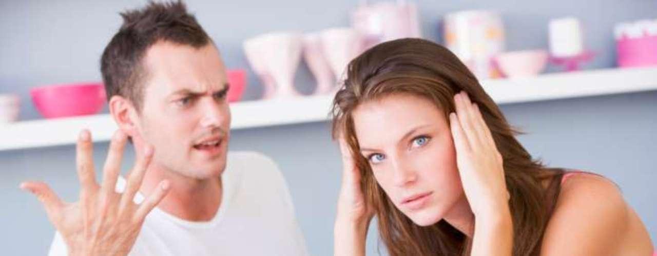 Você se torna irrelevante: de repente, ela já não se importa se você não quer ir ao shopping com ela ou passear no parque. Também não liga para suas opiniões. Em outras palavras, você já não é tão importante para ela como antes