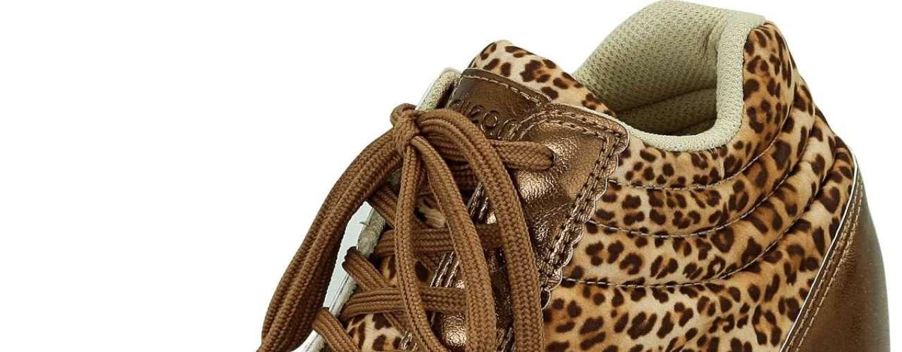 Modelo de oncinha com bronze da Dijean sai por R$ 129,90. SAC: 0800 728 2010