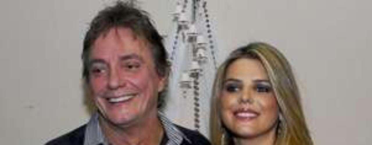 Fábio Jr. declarou o fim de seu casamento com a atriz Mari Alexandre em junho de 2010