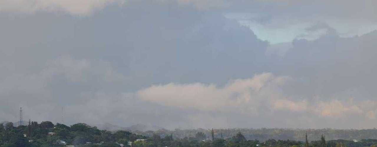 Vanuatu: país da Oceania, composto por mais de 80 ilhas, Vanuatu é um paraíso terrestre  com praias, vulcões e arrecifes com águas cristalinas como principais atrações. Os membros da  pequena comunidade estrangeira, que vive em Port Vila, maior cidade do arquipélago, podem aproveitar cafés e restaurantes quando não estão curtindo as maravilhas naturais de Vanuatu