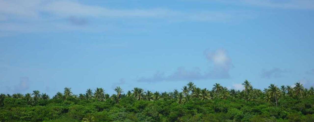 Tonga: arquipélago formado por mais de 170 ilhas na Polinésia, o reino de Tonga tem uma infinidade de praias preservadas e remotas. Para descobrir e aproveitar este paraíso, alguns estrangeiros apostam em se mudar para Tonga, principalmente no grupo de ilhas de Vavau, em casas frente ao mar. Além de belezas naturais e muito sol, Tonga tem também uma das populações mais amigáveis do mundo, que fazem os visitantes se sentir como em casa