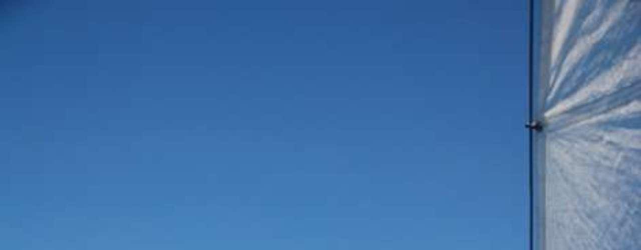 Fiji: a meio caminho entre a Polinésia Francesa e a Austrália, o arquipélago de Fiji é composto por mais de 300 ilhas e ilhotas paradisíacas e preservadas, com uma natureza abundante e lindas praias. A ilha de Taveuni tem uma comunidade de estrangeiros crescente, que aproveita a curta distância desde a ilha de Viti Levu, principal do arquipélago, além das escolas de fala inglesa