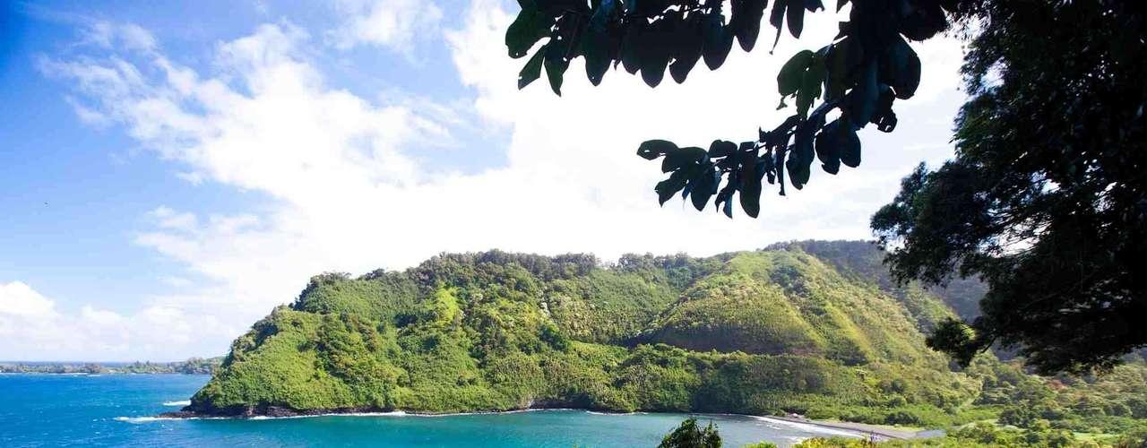 Maui, Havaí: viver em Maui é uma boa chance de criar seus filhos numa cultura diferente, em sintonia com a natureza, mas mantendo o conforto das grandes cidades americanas. Surfe nas praias míticas do Havaí, trilhas e mergulho são algumas das atividades que fazem da vida em Maui, segunda maior ilha do arquipélago, uma experiência especial e única