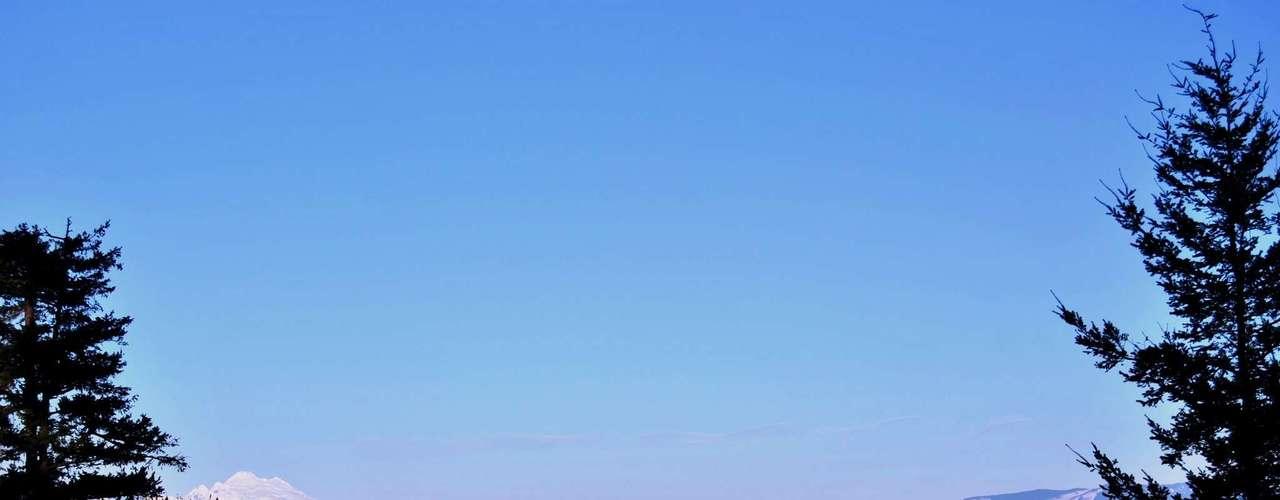 Whidbey, Estados Unidos: a 50 km de Seattle, no  litoral do estado de Washington, a ilha de Whidbey tem belas paisagens rurais frente ao mar e muita tranqüilidade na charmosa cidadezinha de Coupeville. Bela paisagens acompanhadas de vinhos e frutos do mar da região garantem um dia a dia agradável para aqueles que escolhem Whidbey como destino para viver