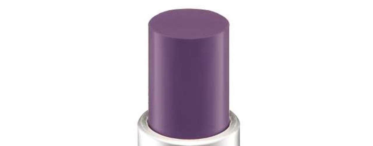 O batom roxo da Melissa é da marca M.A.C, cor Seasoned Plum, que já saiu de linha. Um produto semelhante é o Prolongwear Lip Creme Goes and Goes, da mesma marca. Preço: R$ 94. Informações: 0800-8921695